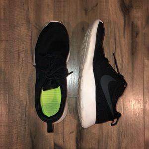 Gently Used Nike Roshe Runs